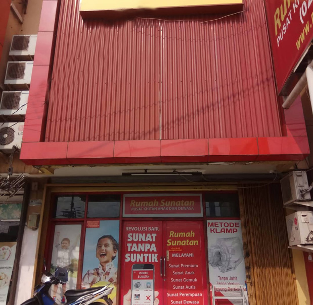 Rumah Sunat dr Mahdian Serpong Tangerang tampak depan